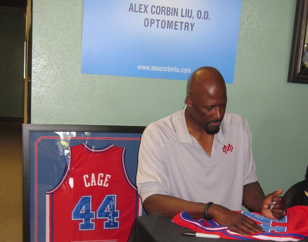 Michael Cage Autograph Signing