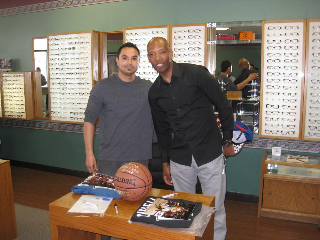 Sam Cassell Autograph Signing